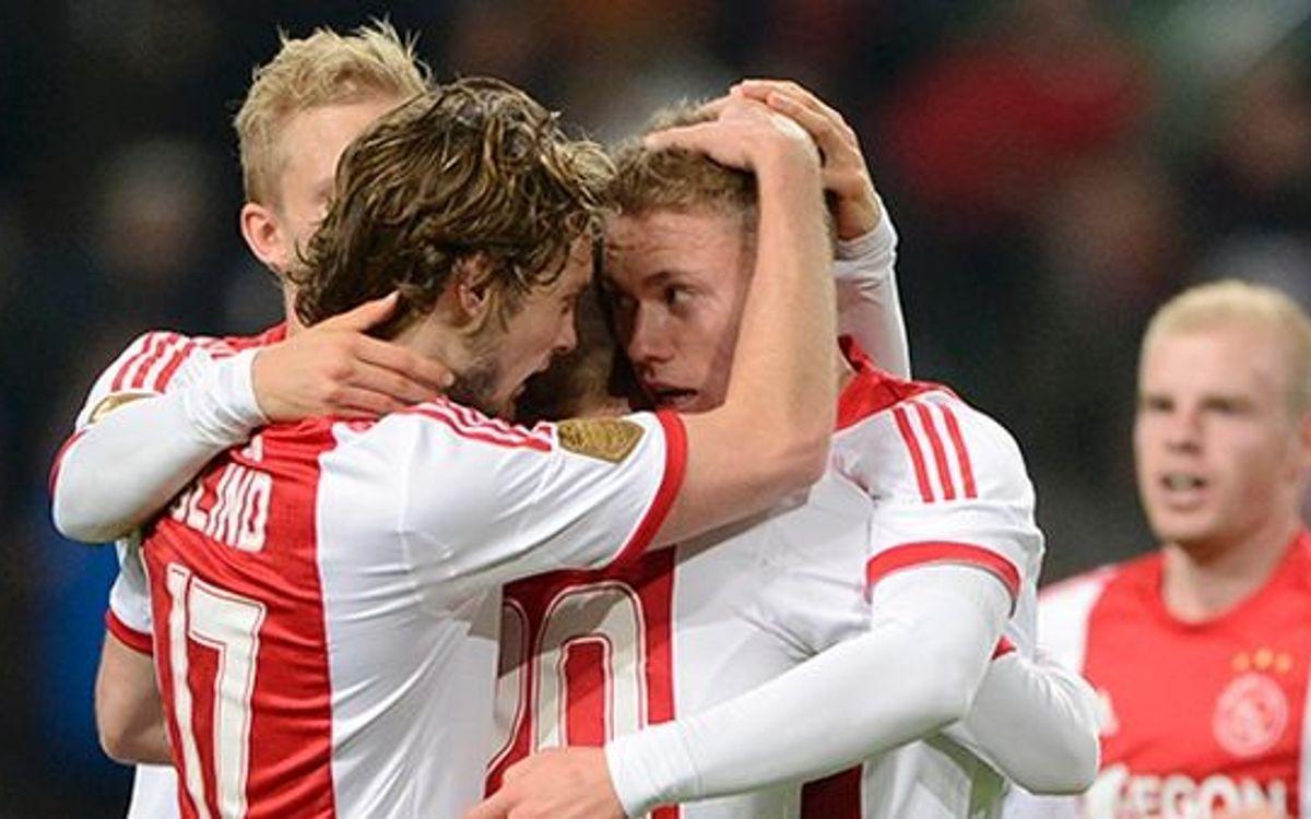 L'Ajax guanya còmodament abans de rebre el Barça (3-0)