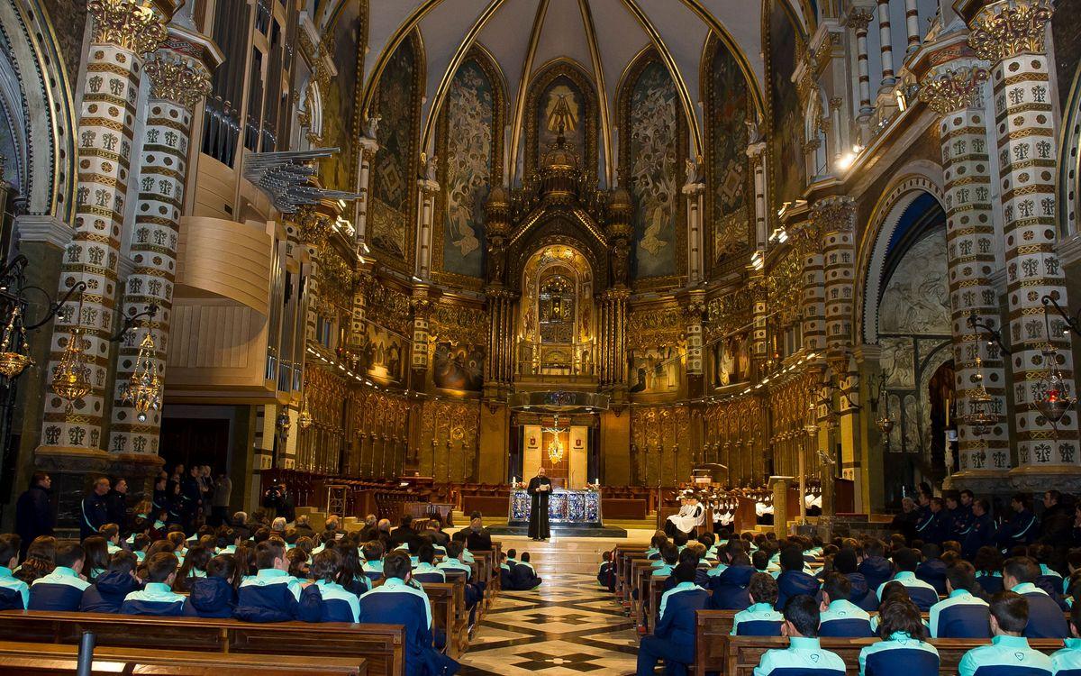 Els equips del futbol formatiu han visitat el monestir de Montserrat