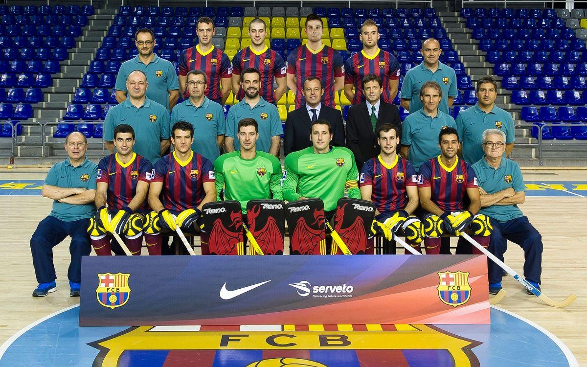 El Barça es fa la fotografia oficial amb el president Rosell