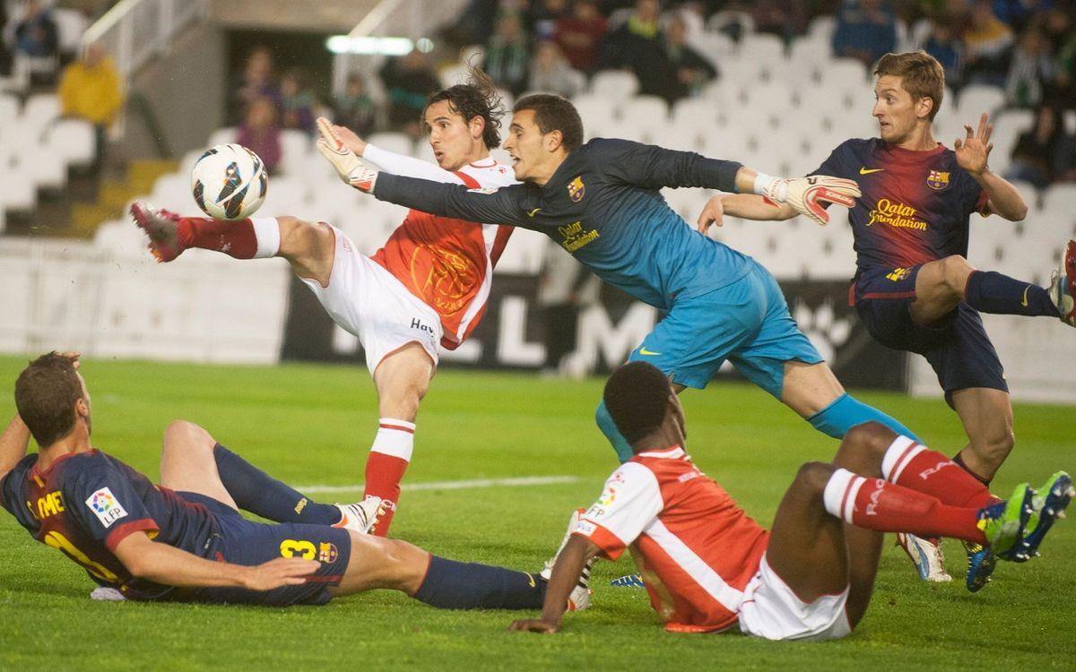 Racing Santander-FCB B: El reaparegut Lobato culmina la remuntada (1-2)