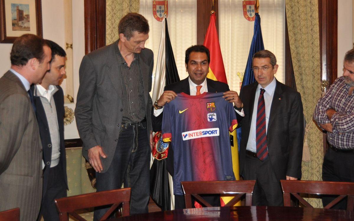 El FC Barcelona dóna suport a l'handbol base a Ceuta