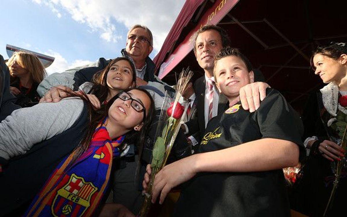 Roses et littérature au Camp Nou