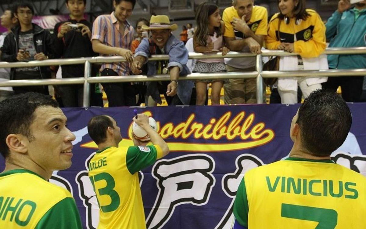 Còmode debut del Brasil al Mundial de Tailàndia