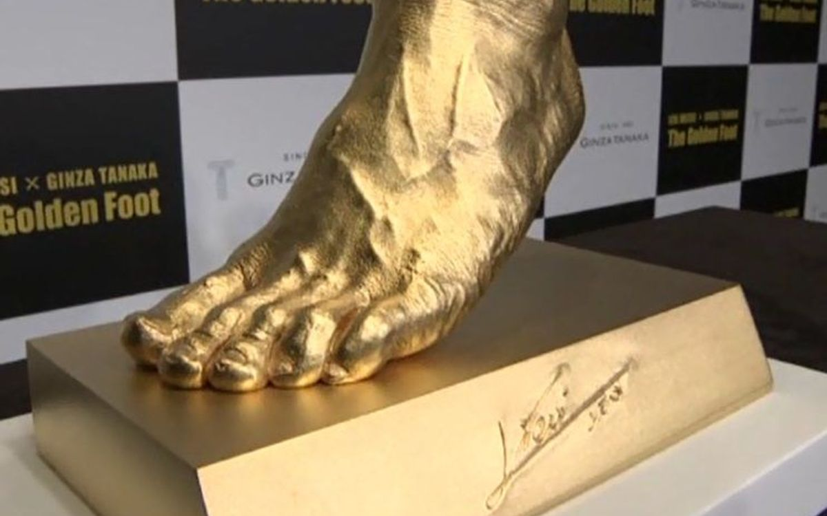 Pure gold replica of Messi's left foot unveiled in Japan