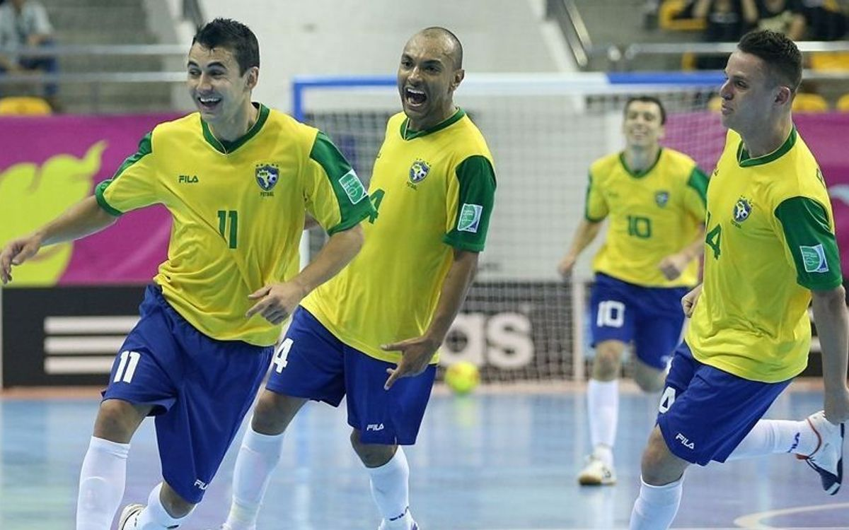 Brasil supera Portugal (1-3) i fica el cap als vuitens