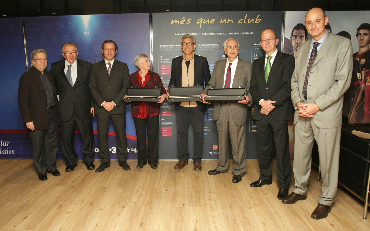 Camp Nou pays tribute to the authors of 'Cant del Barça'