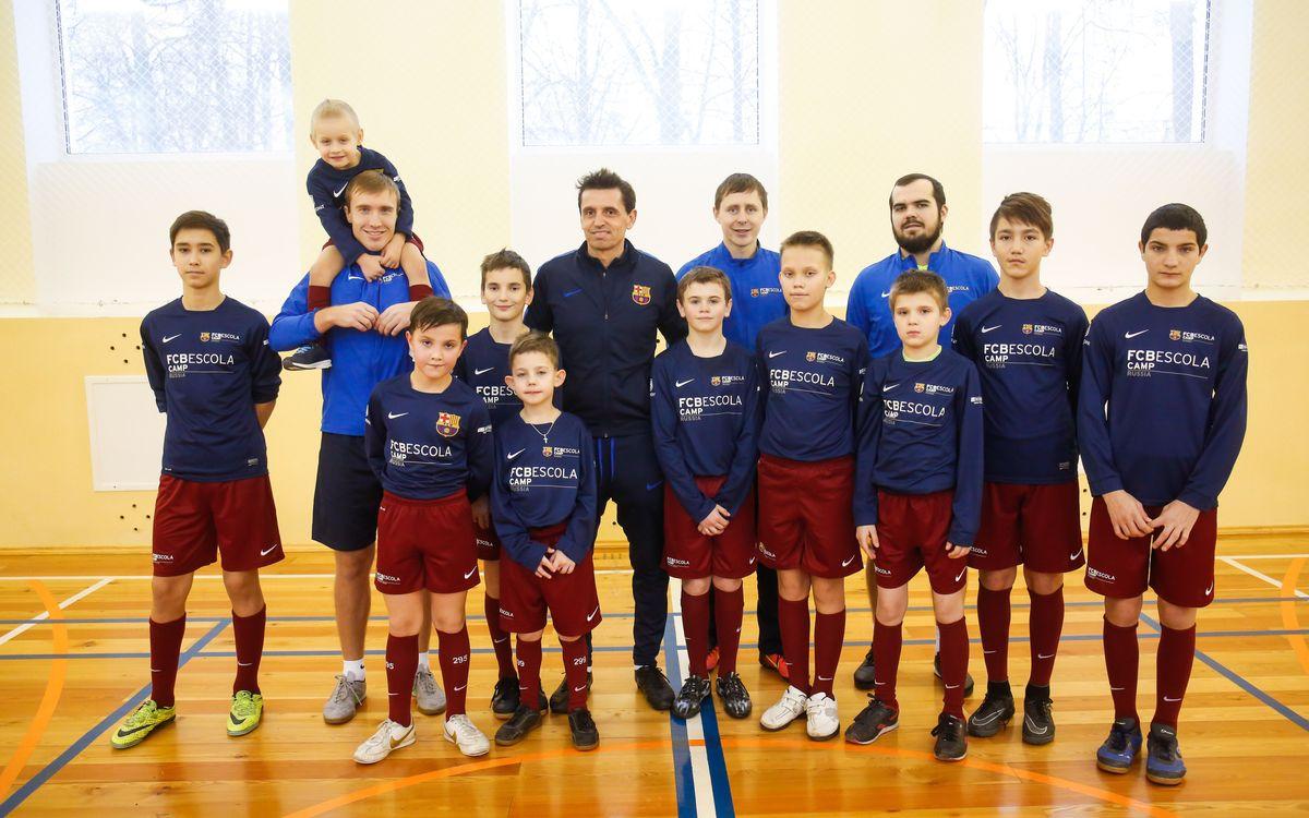 La FCBEscola de Moscú organiza una masterclass en un centro de acogida de menores
