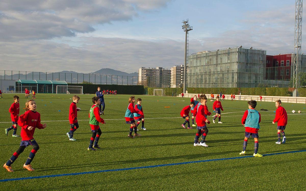Obertes les inscripcions del Campus de Nadal de l'FCBEscola Barcelona