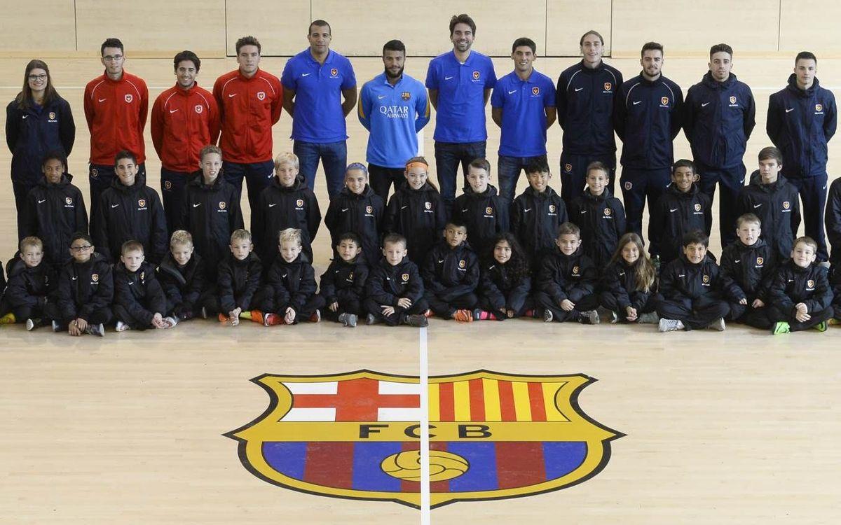 Jugadores americanos aprenden el ADN Barça en la FCB Escola