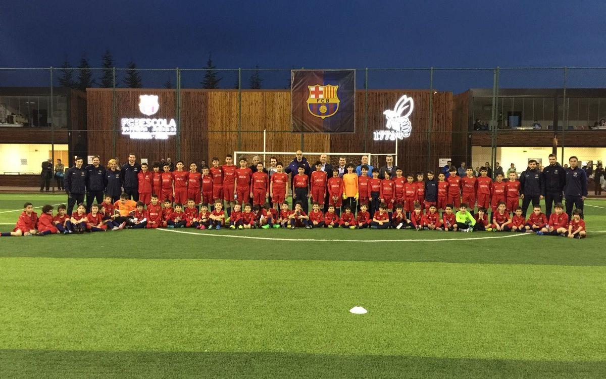 Òscar Grau visita la FCBEscola Estambul