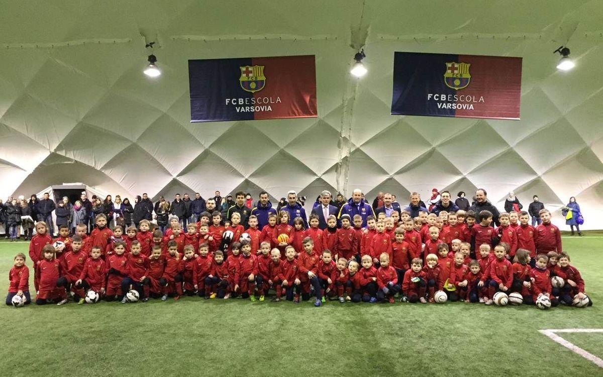 Òscar Grau visita l'FCBEscola Varsòvia
