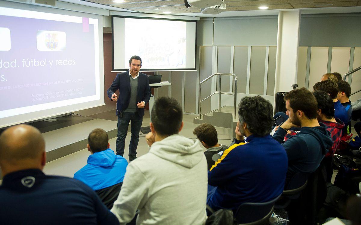 Conferència sobre les xarxes socials a l'FCBCoaches Academy