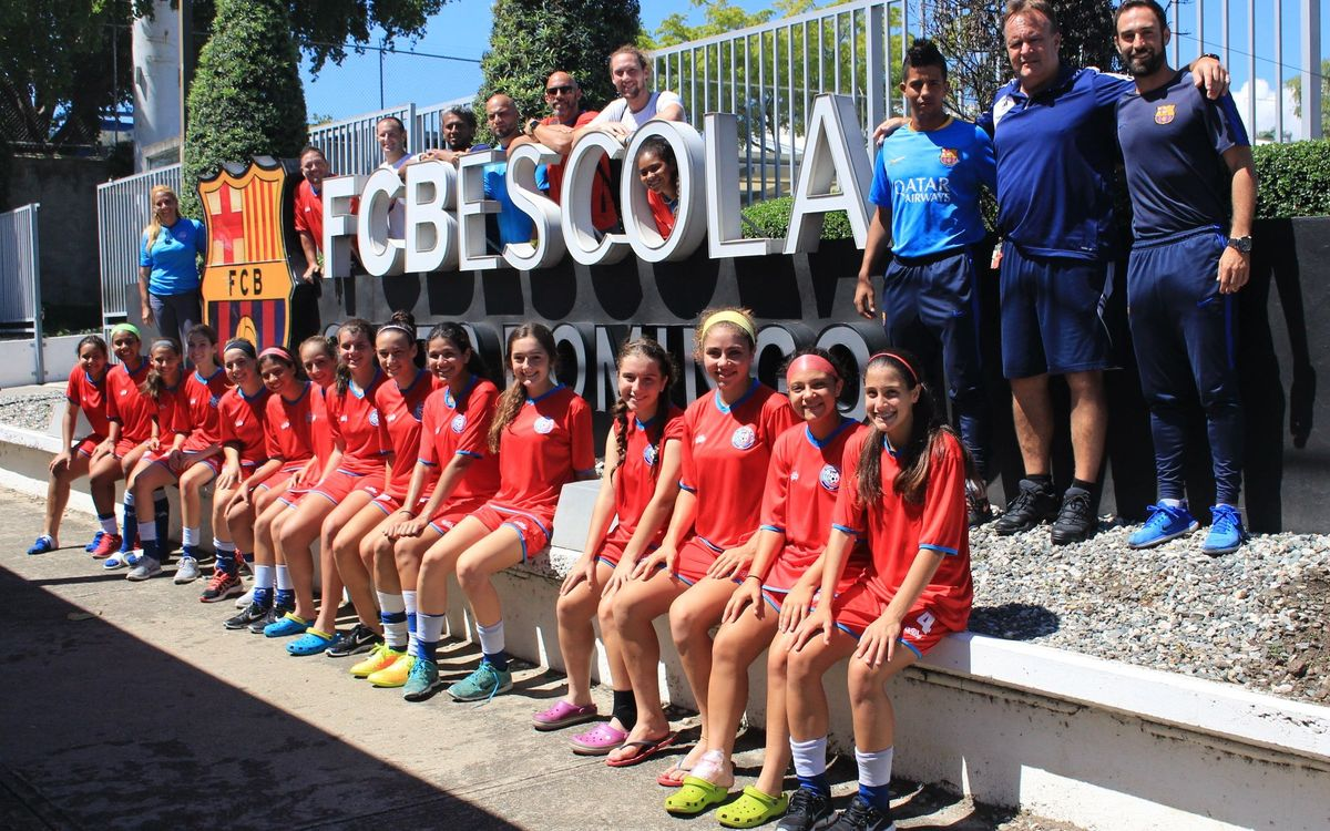 The Women's Puerto Rico U17 side are training at the Dominican FCBEscola after the passing of Hurricane María