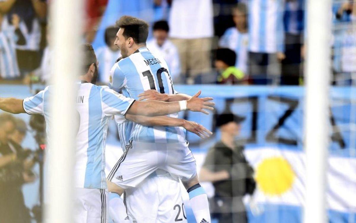 Messi, Mascherano i Bravo golegen i ja són semifinalistes de la Copa Amèrica