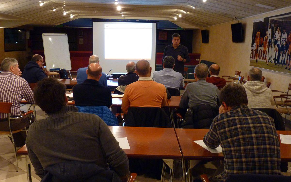 La Agrupación Barça Jugadors empieza un curso de Primeros Auxilios en la Práctica Deportiva