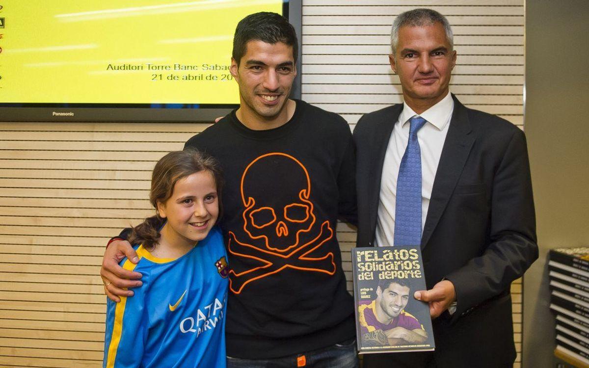 Luis Suárez apadrina el XII Llibre Solidari del periodisme esportiu