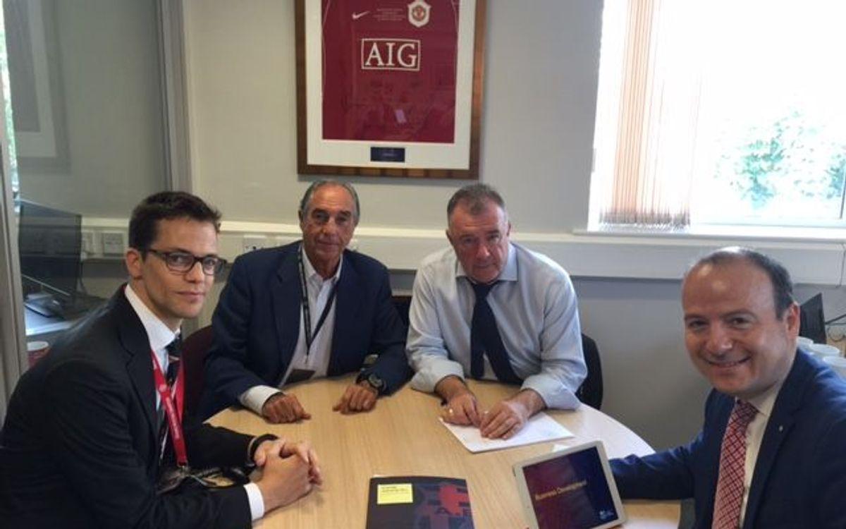 Reunió de l'Agrupació amb el Manchester United
