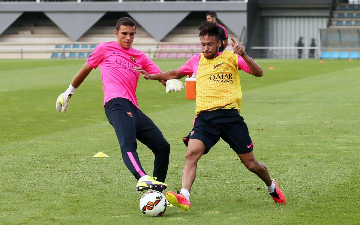 Neymar Jr hace parte del entrenamiento con el grupo