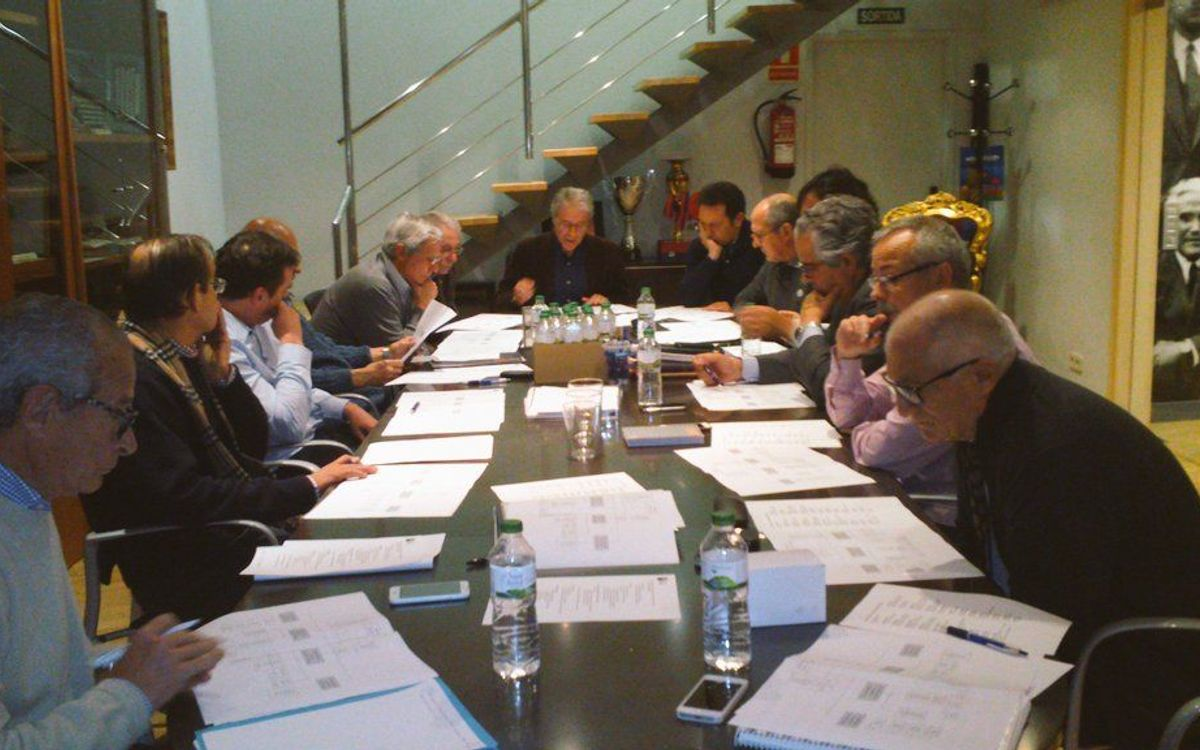 Una junta directiva amb 4 vicepresidents