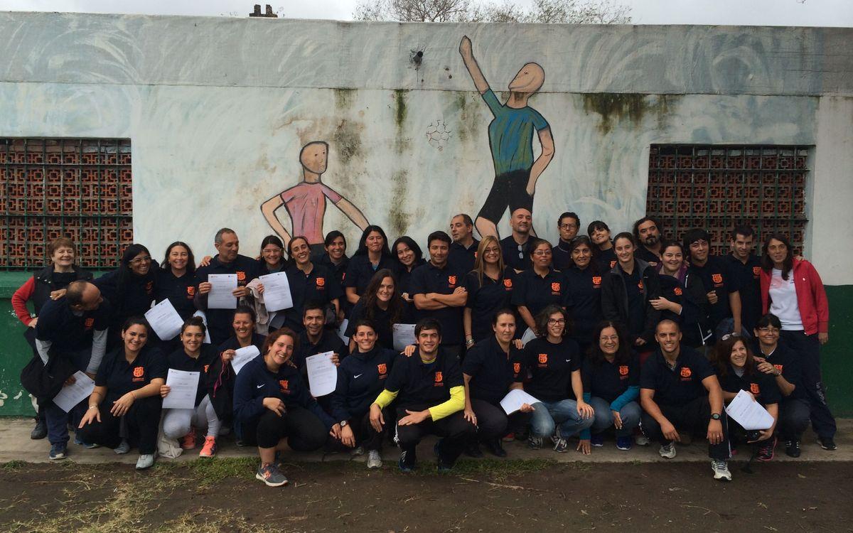 La Fundació FCB posa en marxa 'FutbolNet' a la ciutat argentina de Rosario per fomentar els valors entre els joves