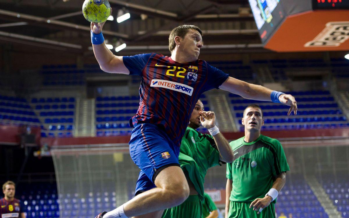 El Barça Intersport vuelve con fuerza del parón y vence al Antequera (42-22)