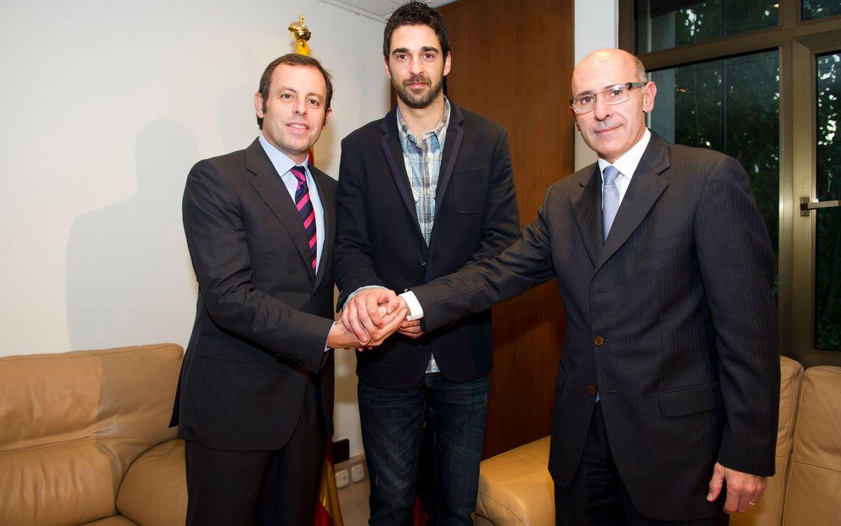 """Navarro, satisfecho con la renovación hasta el 2015: """"El Barça es mi familia, mi casa"""""""