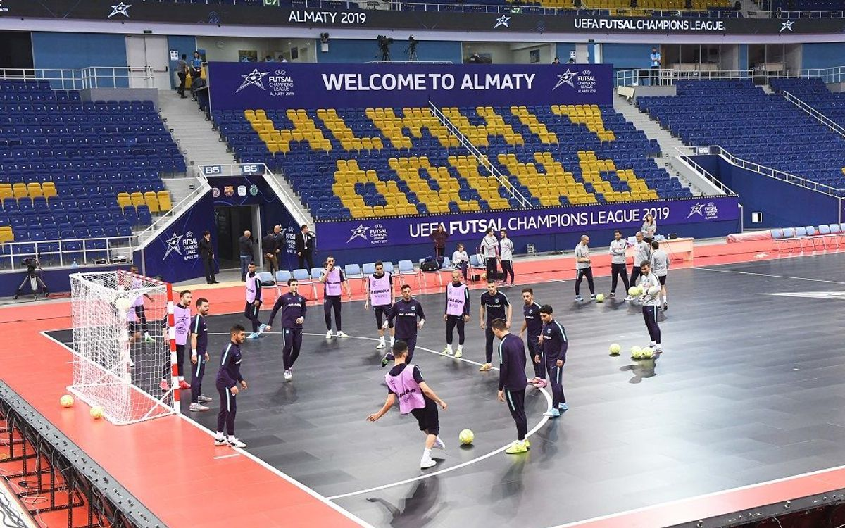 Presa de contacte amb l'Almati Arena