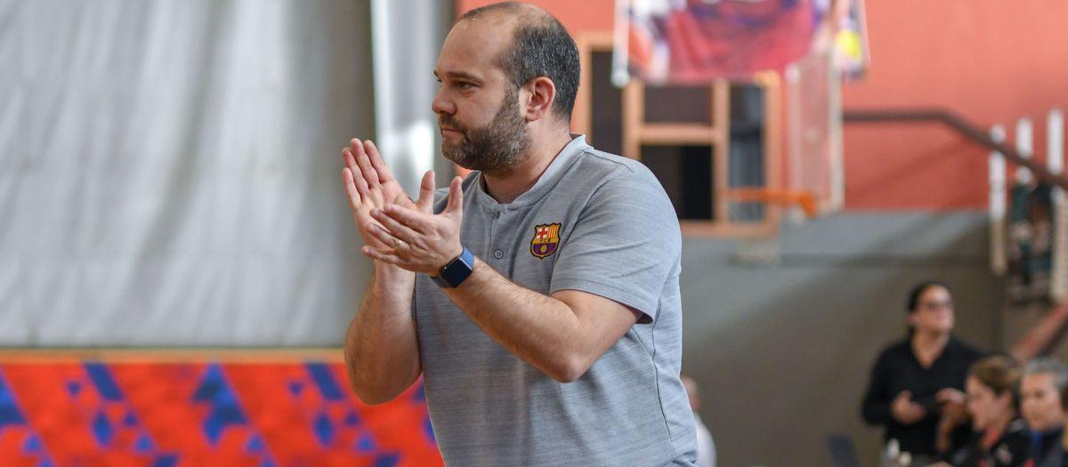 Isaac Fernández, miembro del staff de la selección española para el europeo de baloncesto femenino