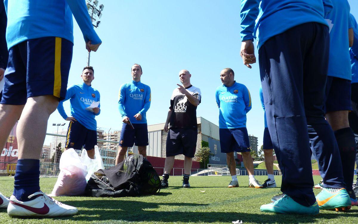 La Agrupación empieza el curso de inglés especializado para entrenadores