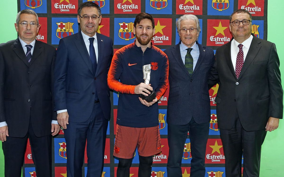 Lionel Messi receives Fair Play award