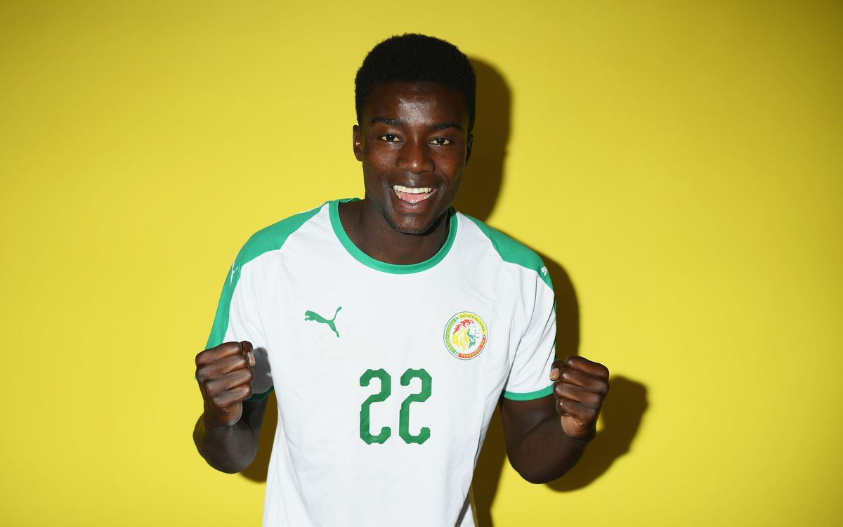 Moussa Wague con la camiseta de Senegal - FIFA