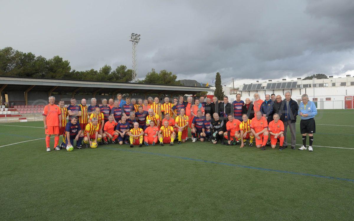 El equipo +55 de la Agrupació juega un triangular solidario en Roda de Berà