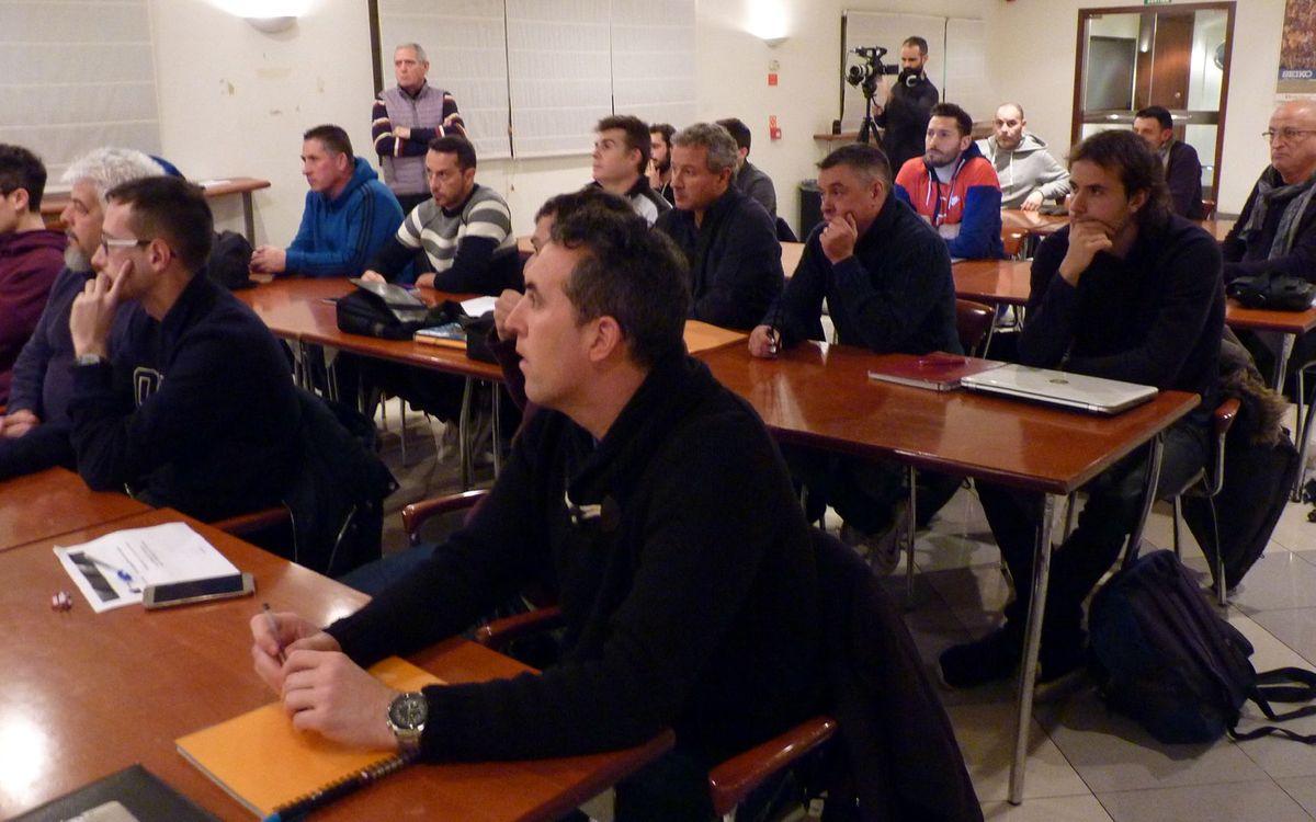 La ABJ arranca la primera edición del curso de entrenador avanzado de fútbol para exjugadores del Barça