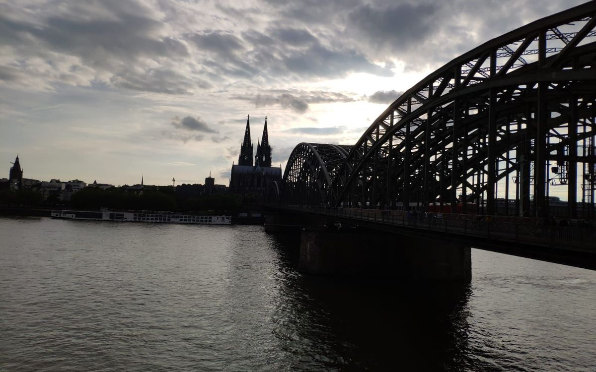 Així llueix el Pont Hohenzollern de Colònia