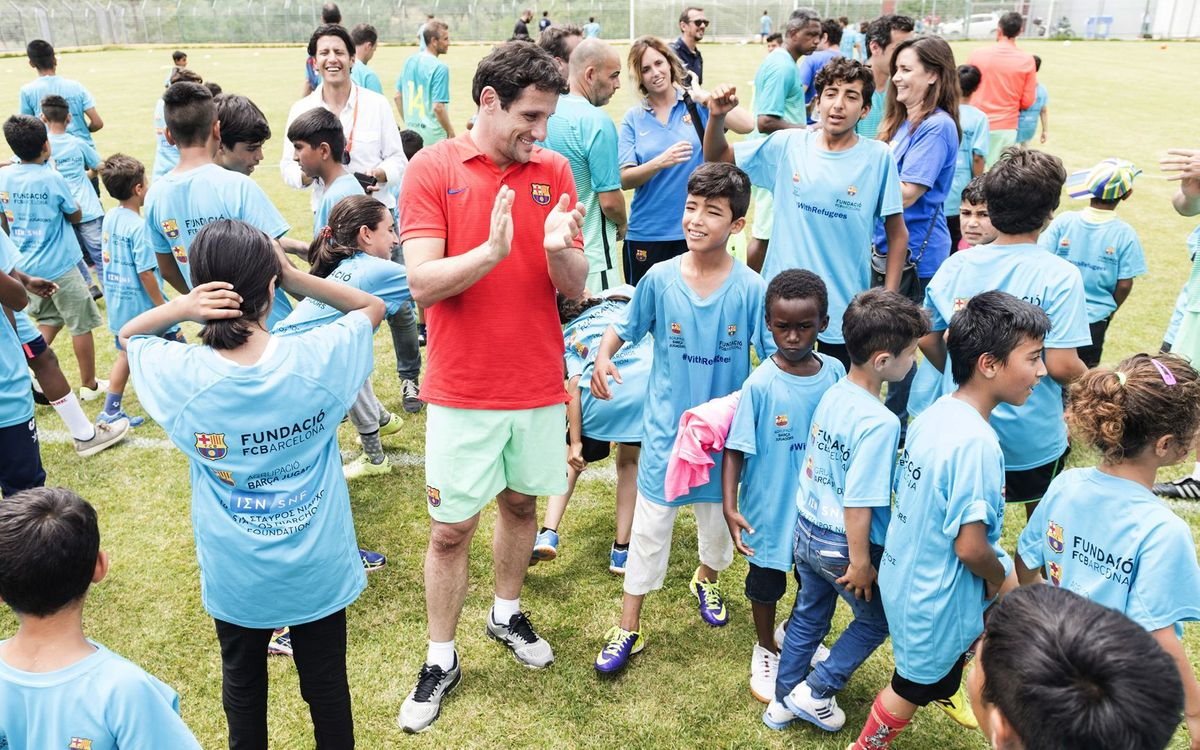 FC Barcelona ex-players run a football clinic with 200 children in Lesbos