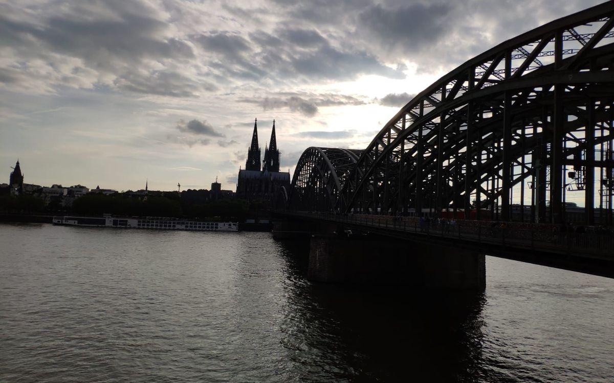 Así luce el Puente Hohenzollern de Colonia