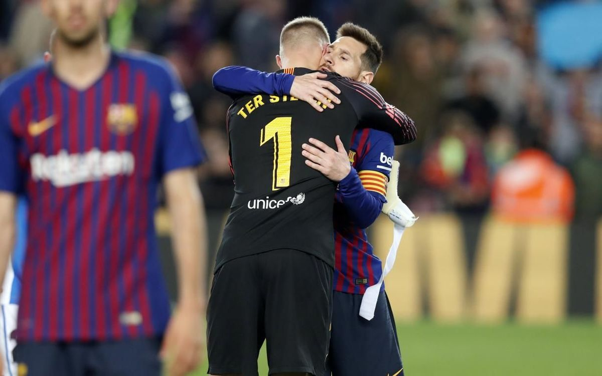 Ter Stegen and Messi in Champions League squad of the season