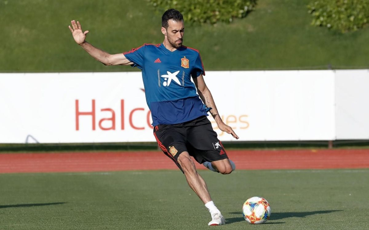 Sergio Busquets in training with Spain
