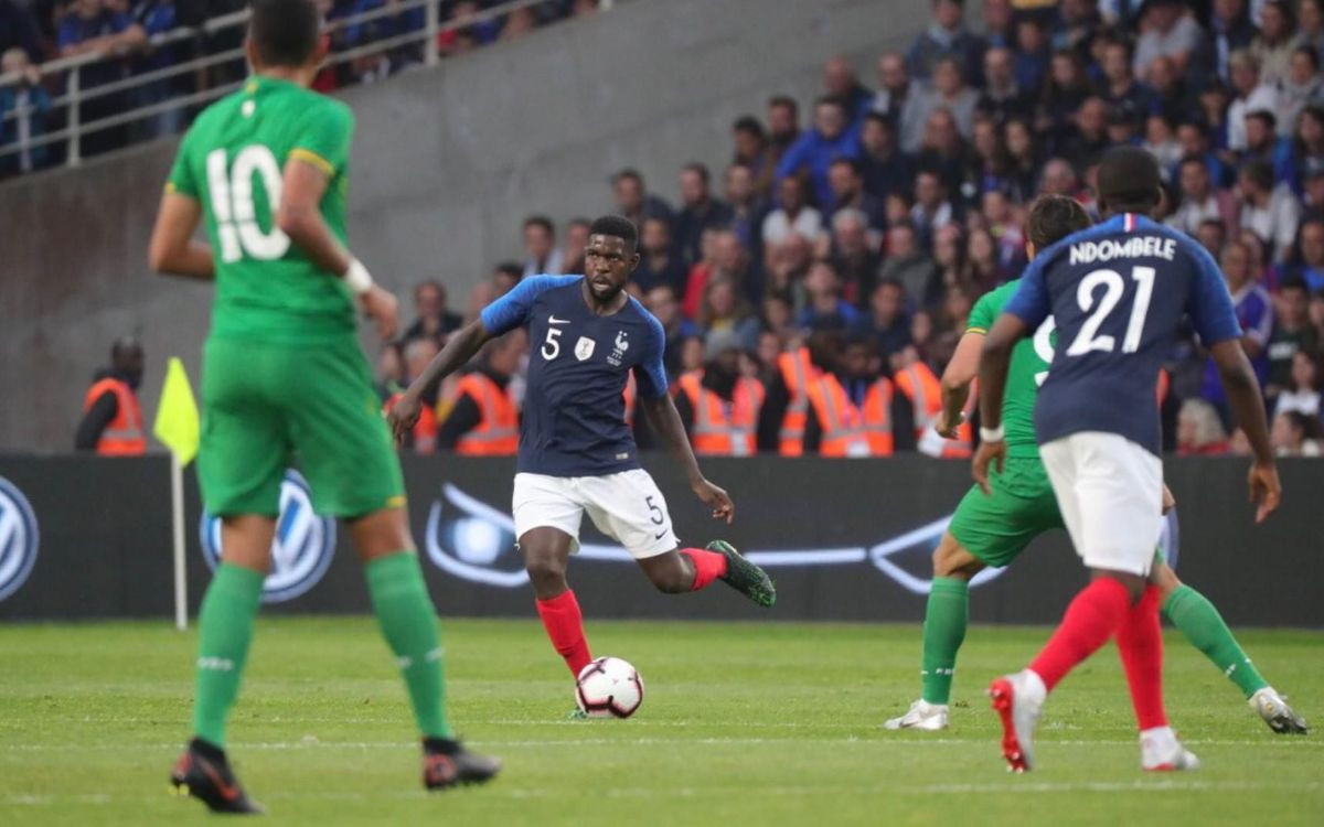 Umtiti playing for France against Bolivia