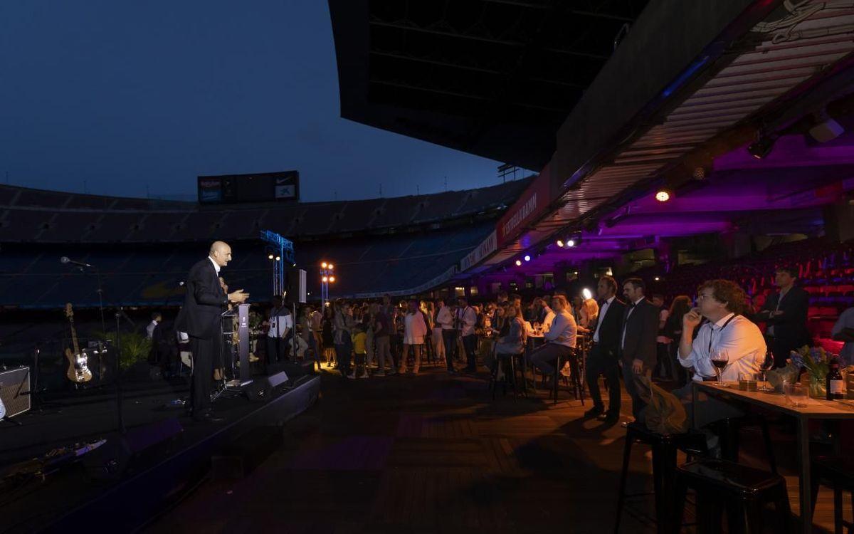 Jordi Moix, dirigint-se als convidats.