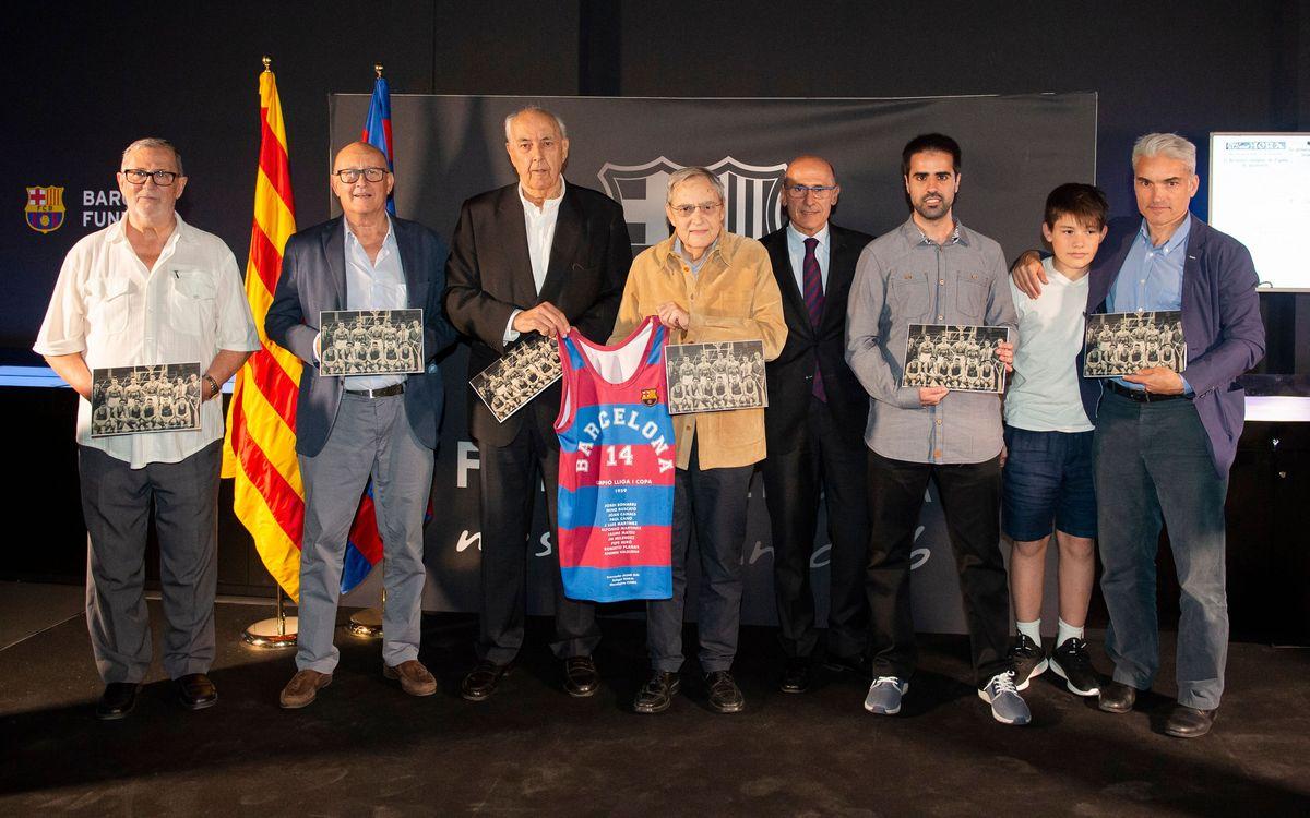 Reconeixement als guanyadors de la primera Lliga de la història