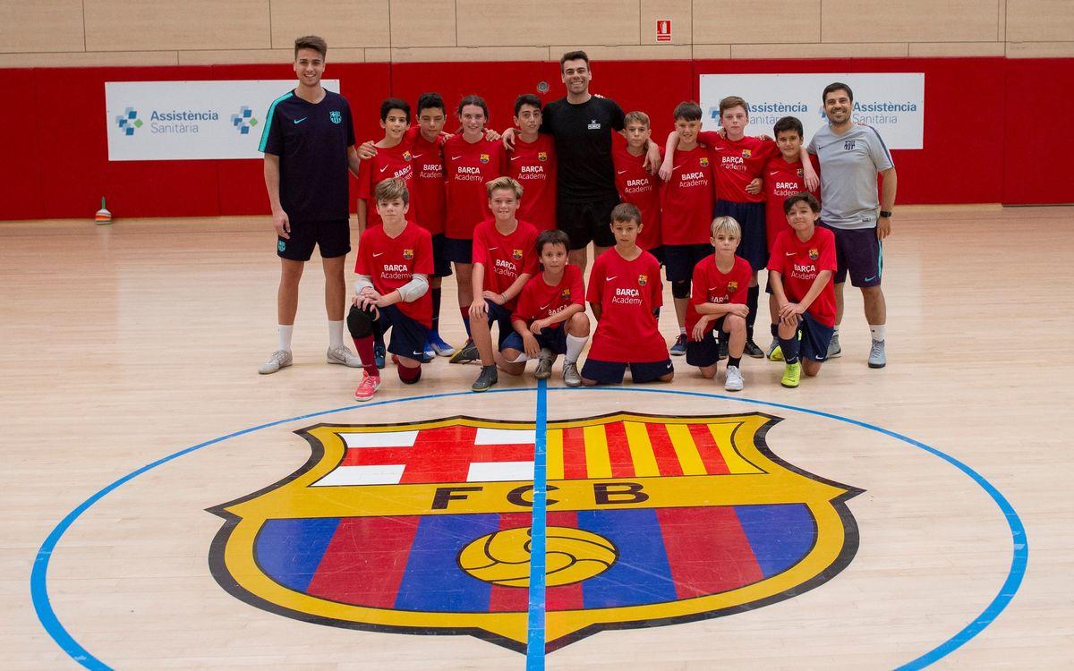 Sergio Lozano visita el Campus de fútbol sala