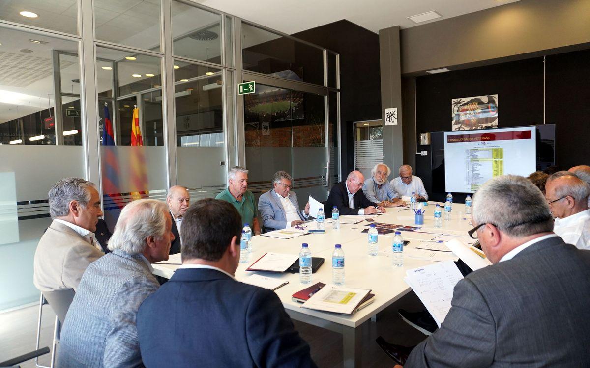 La Fundación Barça Veterans destina  430.000 euros de ayudas para los integrantes de la entidad