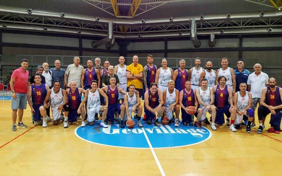 Amistoso de los Veteranos de baloncesto en Cerdeña