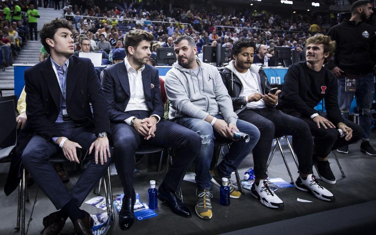 A Griezmann le gusta ver baloncesto en vivo