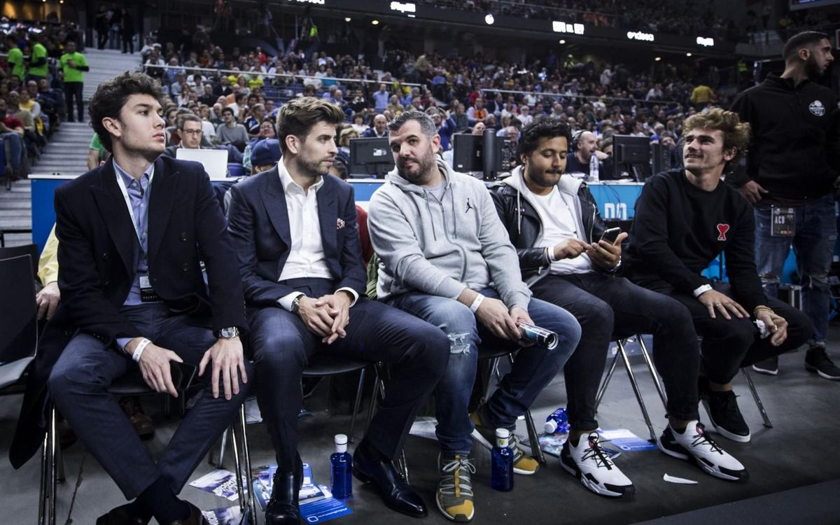 A Griezmann li agrada veure bàsquet en viu
