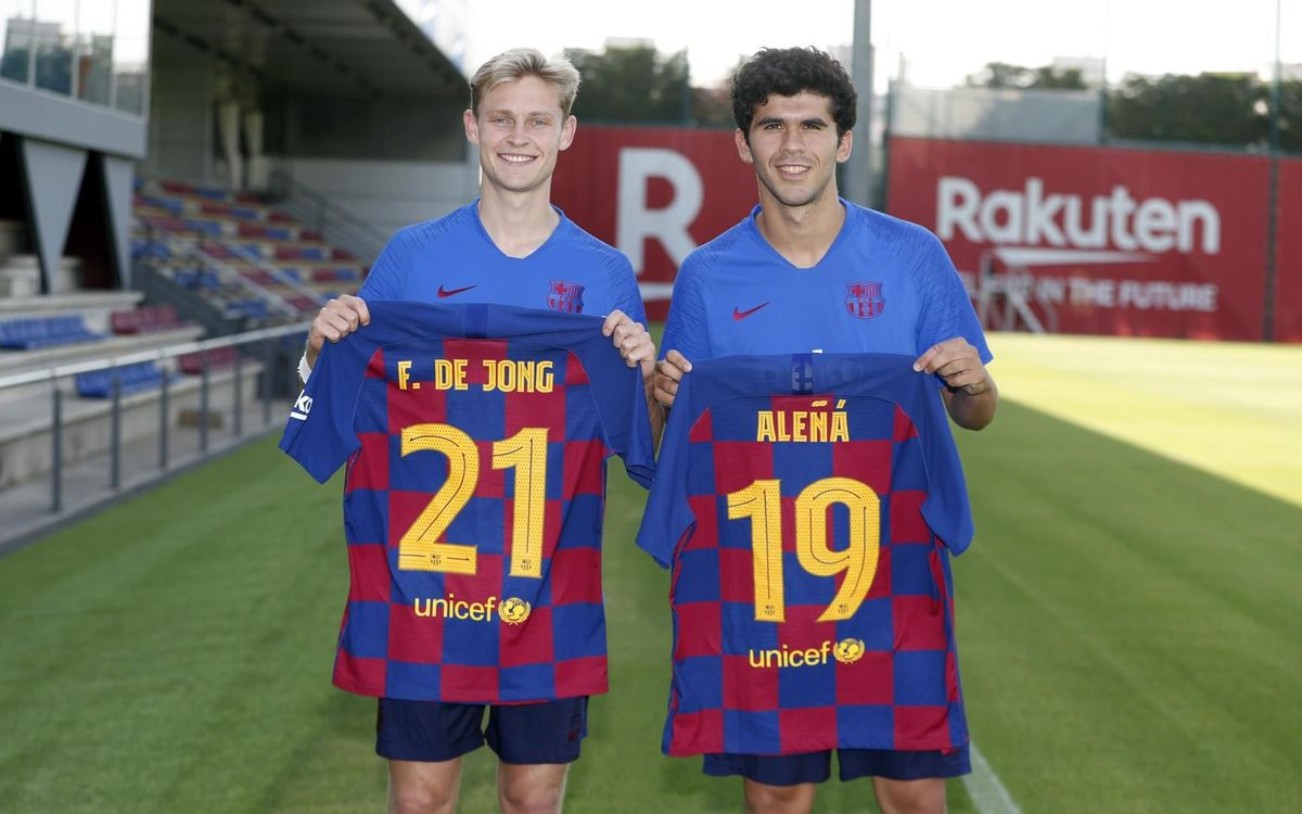 De Jong to wear number 21; Aleñá changes to 19