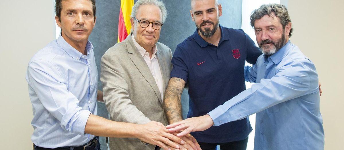 Víctor Valdés, new U19A coach