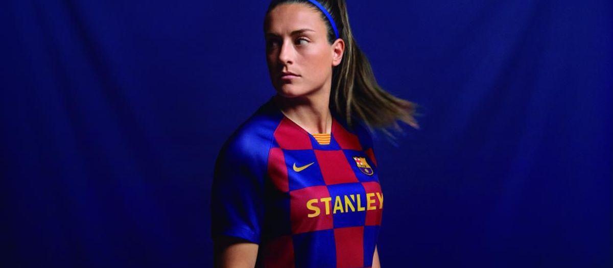 Dijous es posen a la venda les samarretes del Barça Femení