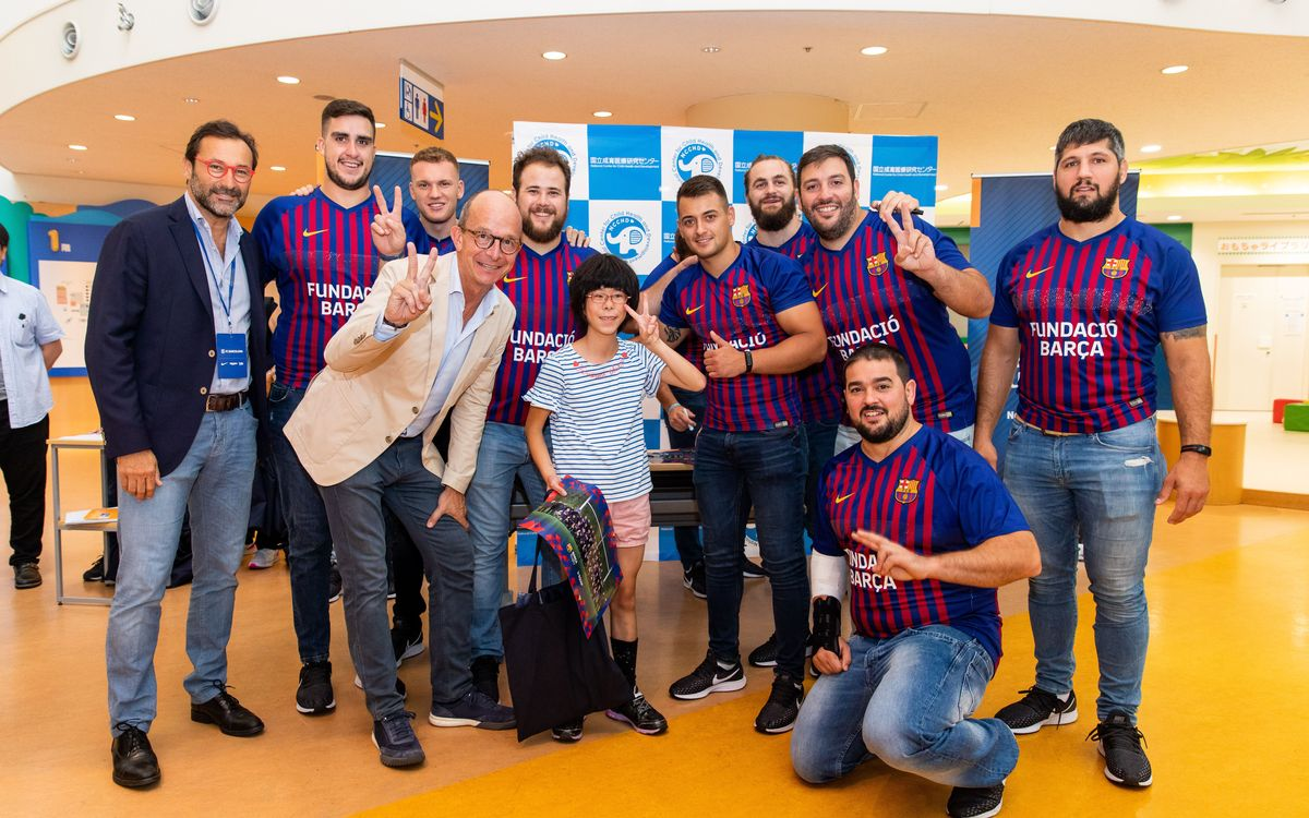 Barça rugby team visits children at NCCHD Hospital in Tokyo